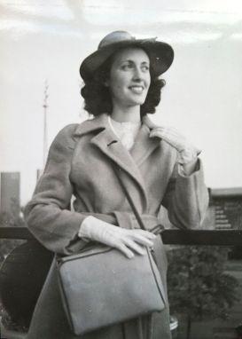 Bea,Hat,Gloves