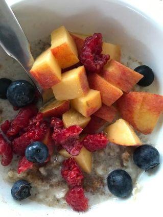 oatmeal:peach